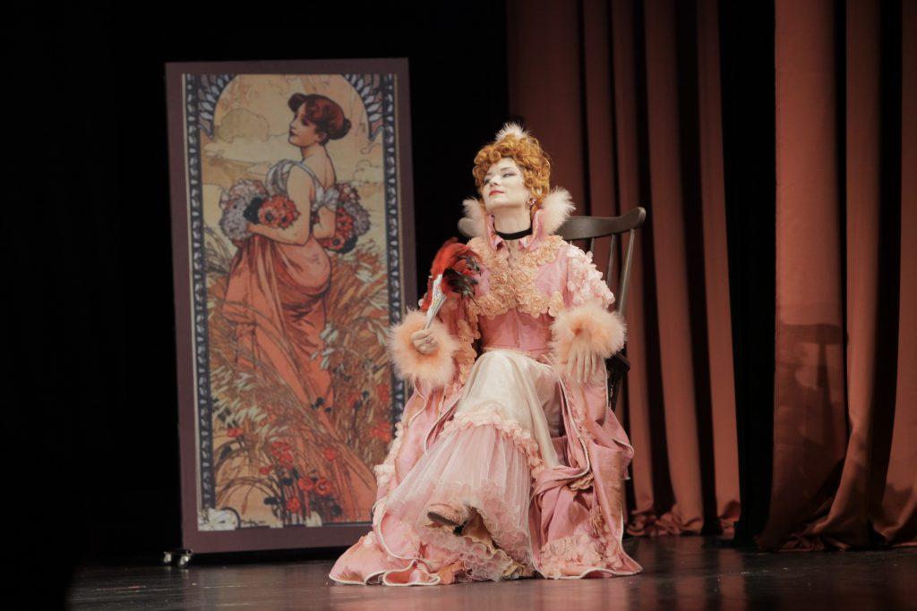 Branislava Podrumac as Franzi in the operetta Viennese Blood