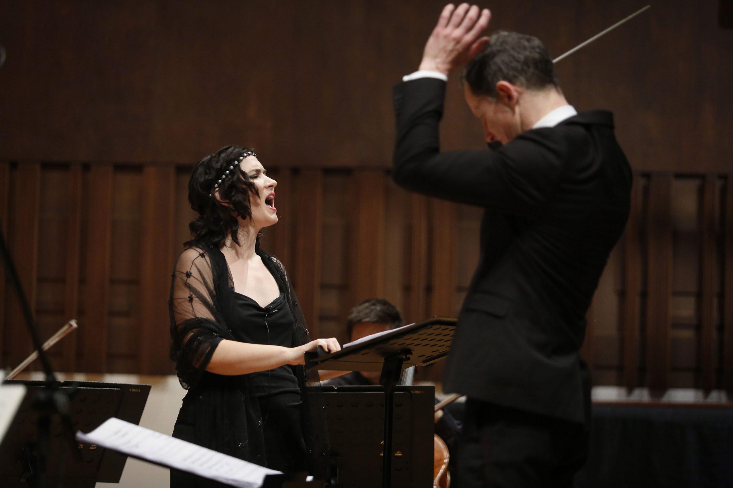 Branislava Podrumac performs Walton's Façade with  Belgrade Philharmonic